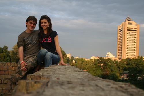 Я с Ксю на крыше